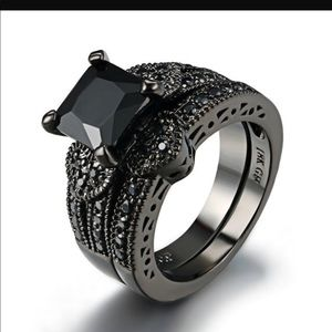Jewelry - Black cubic zirconia engagement ring set